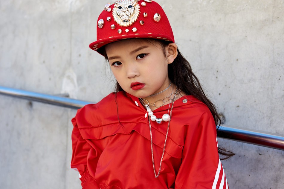 https_hypebeast.comwp-contentblogs.dir6files201810seoul-fashion-week-street-style-snaps-2018-48
